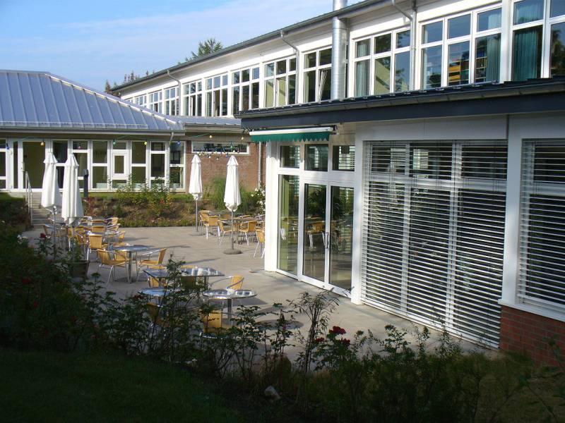Wentorf, Gymnasium-L-2